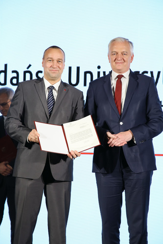 "The MUG Vice-Rector for Science Prof. Tomasz Bączek Pharm.D. and the Minister of Science and Higher Education Jarosław Gowin, during the results announcement of the first edition of the  ""Excellence Initiative – Research University"" program. Warsaw, 30.10.2019"